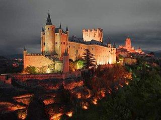 NUEVO APARTAMENTO CON ENCANTO EN CENTRO HISTORICO, Segovia