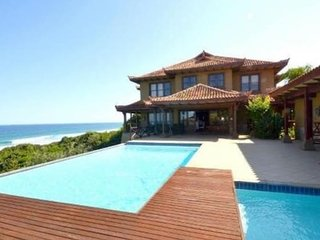 ZIMBALI RESORT BEACHFRONT VILLA, Ballito
