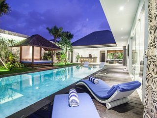 Brand new villa quiet area  pool/gazebo SEMINYAK