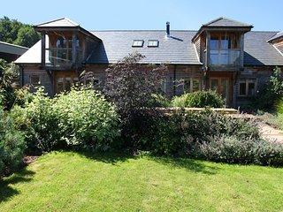 Horsham - Luxurious Barn - Farm Setting- South Lodge Hotel only 4.4 miles away