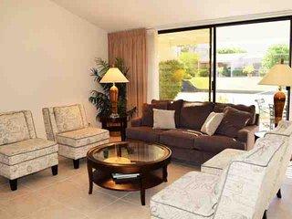 Great location in Dorado Villas!  Elegant 3/3 Condo, Spectacular South Mtn. View, Pool, Spa & Tennis, Indian Wells