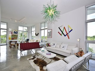 The Bleu -3 Bedrooms + 2.5 Bathrooms, Miami Beach