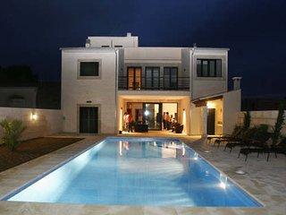 Exklusive Stadt Villa mit Pool 4SZ, Cas Concos