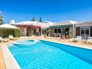 Casa Santalena, 3 Bed Villa With Pool, Carvoeiro