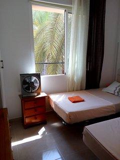 Primer dormitorio, dos camas.