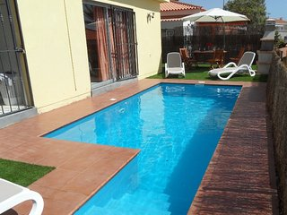 VILLA 273 WITH PRIVATE POOL AND CAR INCLUDED!