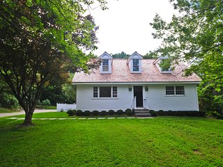 South Street 4-BR Cottage with Heated Pool