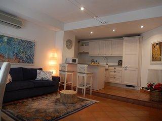 Apartment in villa in centre of Eur near the lake