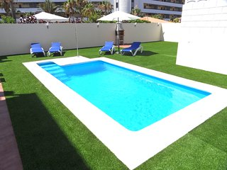 DUPLEX C9, PRIVATE POOL AND CAR INCLUDED !!!