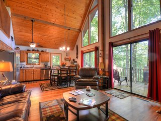 Secluded mountain getaway close to Tail Of The Dra, Robbinsville