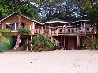 South Seas Beach House, Sandy Bay