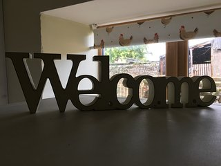 A very BIG welcome at Owslow Cottage