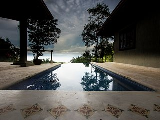 7 Bedroom Private Mountain Estate, Pool Overlooking the Pacific Ocean, Sleeps 18, Playa Hermosa