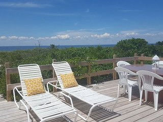 North Fork Cozy Beach House on the sand in Wine Country Farm stands, Mattituck