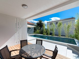 Apartment Bamboo with pool, Dugi Rat