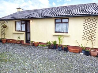 CONNEMARA HOUSE romantic retreat, close to beach in Clifden, County Galway Ref 15949