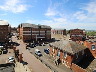 Gloucester Docks top-floor luxury apartment