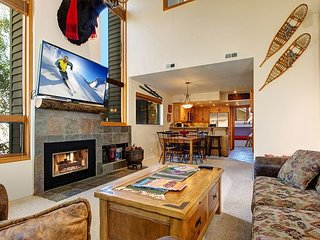 Red Pine 4BR w/ Pool & Hot Tub - 300 Yards to Cabriolet Lift, Near Golf