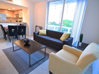 LUXURY 2 BED APARTMENT  MAX 8 PAX, Miami