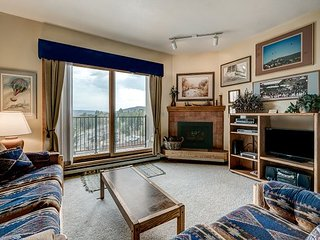 2BR, 2BA Ski Lovers' Dream Retreat in Steamboat Springs – Walk to the Slopes