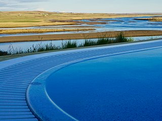 Luxury, Modern Amazing river view on Golden Circle, Selfoss
