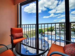 Reef Club  201 Fantastic Beach View Condo