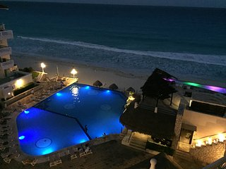 BEACH AND OCEAN FRONT  CANCUN