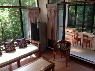 Gaze Studio:Modern Spacious Jungle Stay, Pantai Tengah