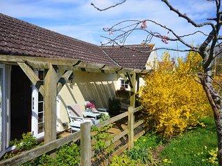 BOXTR Bungalow in Glastonbury, Westonzoyland