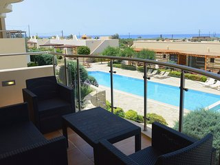 Luxury Two Bedroom Townhouse, Makrys-Gialos