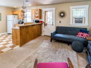 Month to Month Fully Furnished One Bedroom Rental, Bend West Side