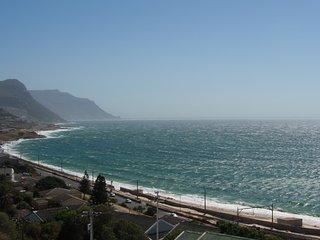 Super Sea and Hill Views, Simon's Town