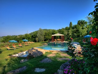 San Biagio, private house with pool and A/C just 900 meters to Montepulciano!