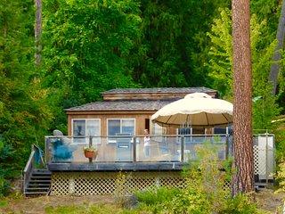 Lakefront Cedar Cottage & RV, Christina Lake