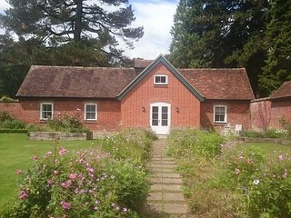 Charming spacious New Forest Coach House
