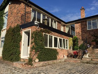 Glorious Cheshire View Apartment