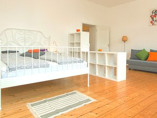 Comfortable Apartment close to Friedrichstraße, Berlijn