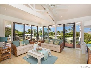 Lanikai - Ocean View Beachside Home, Kailua