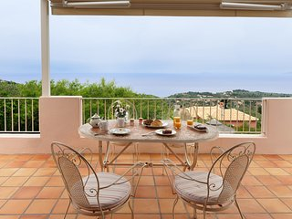 Heavenly Luxury Villa with Private Pool, Panoramic Sea View and Dreamy Sunset