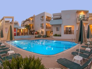 Superior Family Apartments, beach accessible!, Réthymnon