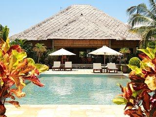 Kundalini Beachfront House 'Cantik' with priv cook, Seririt
