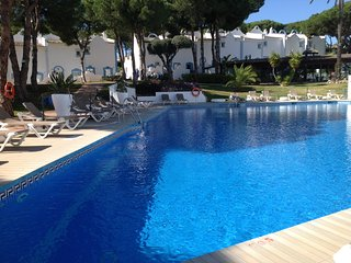 Lux 2 Bedrm Villa Prime Marbella Location Full Resort Facilities Pools