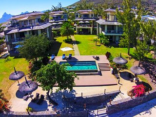 BEHO 2-3 BR at private resort on Tamarin bay