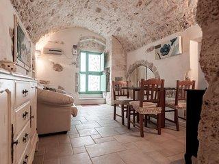 Biancocalce, Le piccole Case Bianche, Ostuni