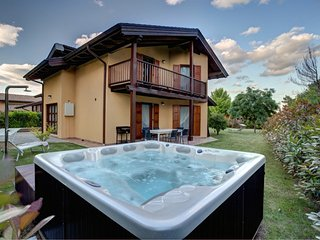 Pinonero Villa with private  pool, San Severino Marche