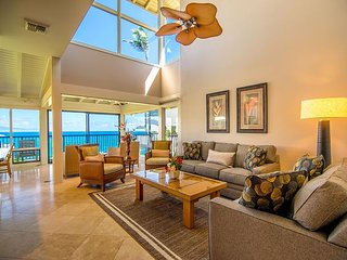Kapalua Bay Villa Ocean Front Gold!  Hard Hat Special Jun 25th to Aug 2nd