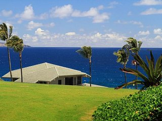 Beautiful Bay Villa with Ocean Views from Master!  Special Rate!