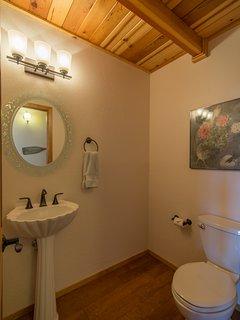 Hallway 1/2 bath
