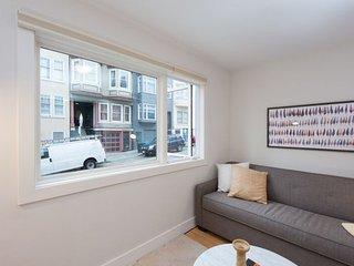 Furnished 1-Bedroom Apartment at Washington St & Mason St San Francisco