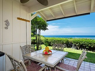 KKSR#3 DIRECT OCEANFRONT TOWNHOME!  Walk to the Beach! Superb Location!, Keauhou